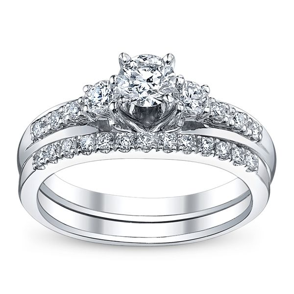 Utwo Three Stone 14k White Gold Diamond Wedding Set 5/8 ct. tw.