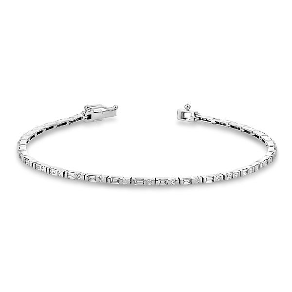 Shy Creation 14k White Gold Bracelet 1 ct. tw.